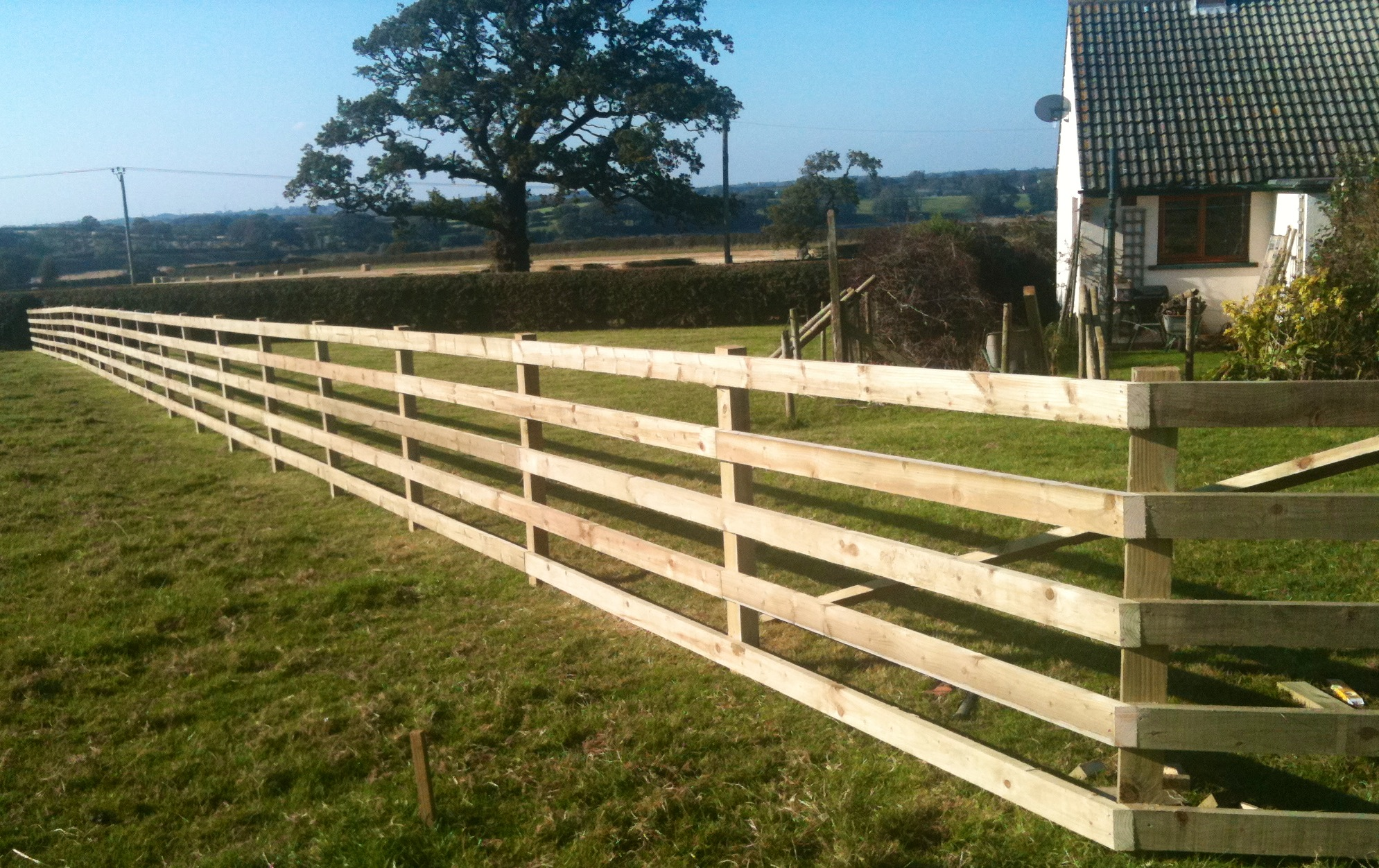landscaping and fencing 2